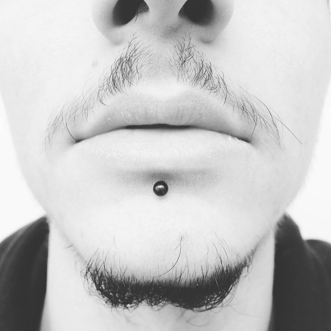 George Freddy Tattoo Studio – Piercing 9